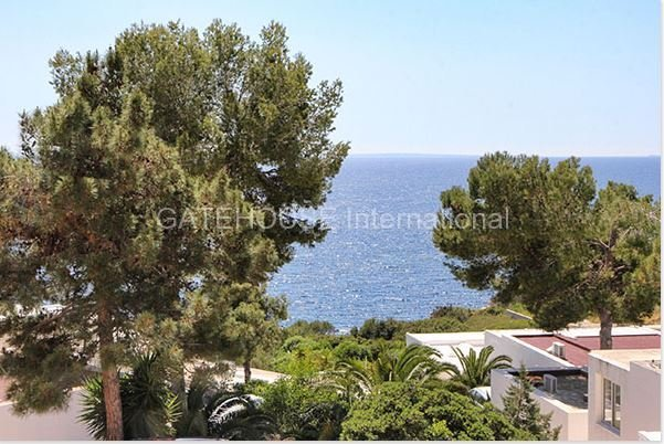 Sea view duplex apartment for sale in Roca Llisa