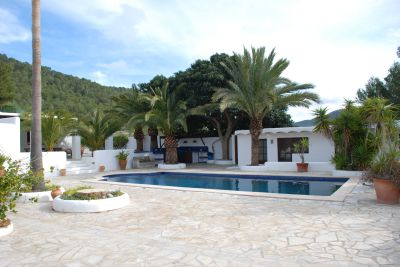 San Jose villa for sale with separate guest accommodation suitable for renting