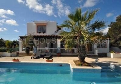 Detached home for sale in san Agustin with guest accommodation_s