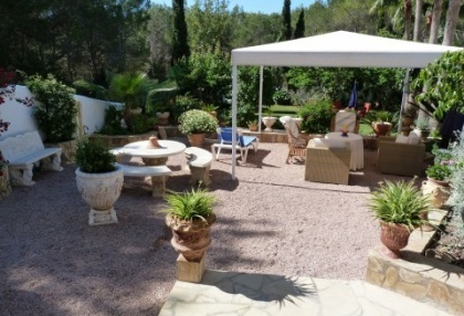 Villa with guesthouse within walking distance to Cala Lenya beach_5