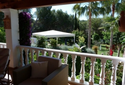 Villa with guesthouse within walking distance to Cala Lenya beach_6
