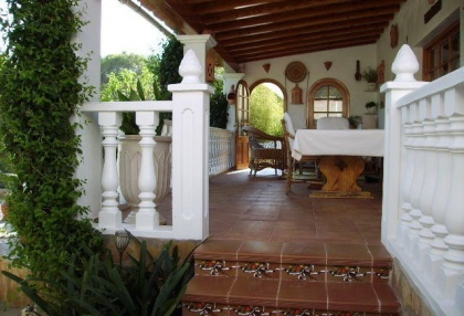 Villa with guesthouse within walking distance to Cala Lenya beach_7