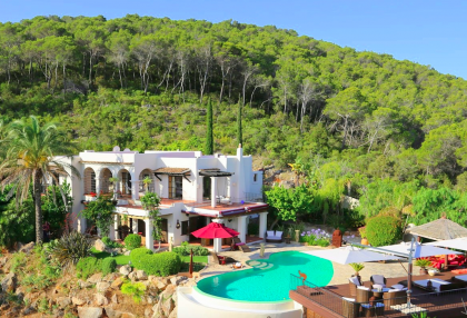 Luxury villa with 180 degree views over sea and Morna Valley.jpg_1A