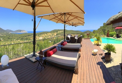 Luxury villa with 180 degree views over sea and Morna Valley_26