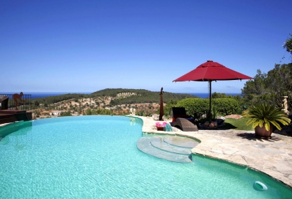 Luxury villa with 180 degree views over sea and Morna Valley_27