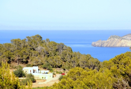 Luxury villa with 180 degree views over sea and Morna Valley_3