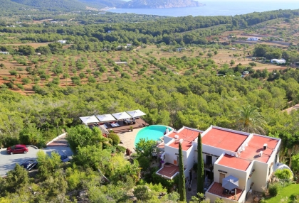 Luxury villa with 180 degree views over sea and Morna Valley_4