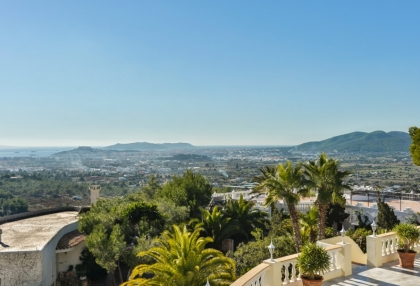 Investment villa Can Furnet Ibiza with great views_1