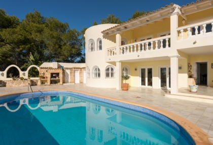Investment villa Can Furnet Ibiza with great views_4