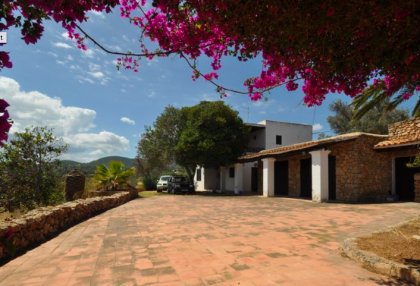 traditional finca with renovation potential.jpg_1