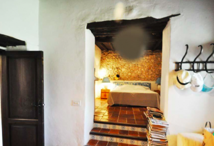 traditional finca with renovation potential.jpg_11