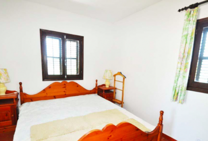 traditional finca with renovation potential.jpg_12
