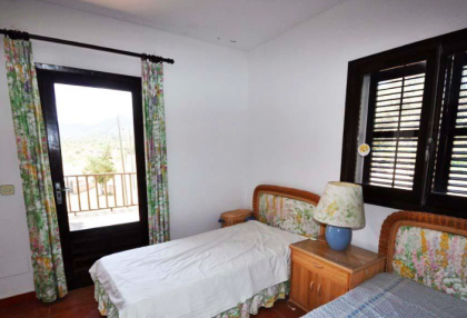 traditional finca with renovation potential.jpg_13