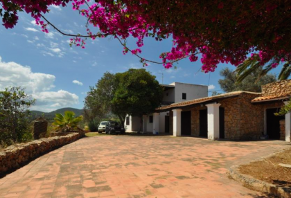 traditional finca with renovation potential.jpg_1A