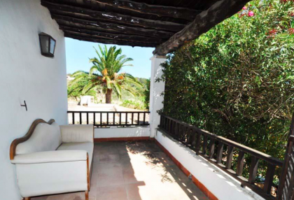 traditional finca with renovation potential.jpg_5