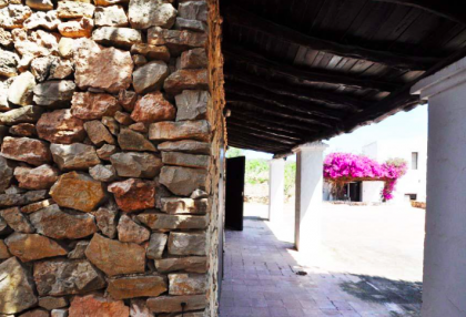 traditional finca with renovation potential.jpg_6