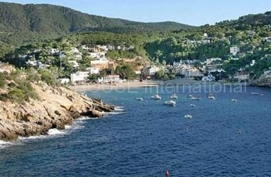 Two bedroom beachfront apartment for sale in Cala Vadella_ss