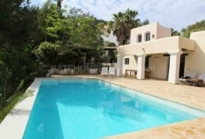 Three bedroom house for sale in Santa Eularia with guest apartment_1