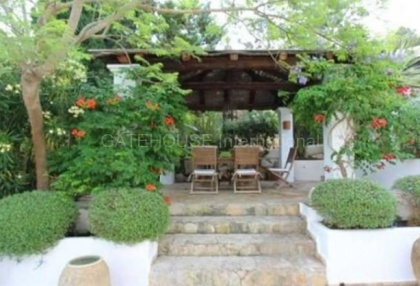 Three bedroom house for sale in Santa Eularia with guest apartment_2