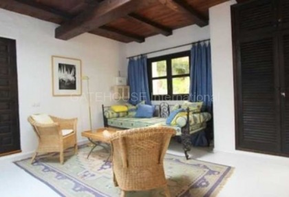 Three bedroom house for sale in Santa Eularia with guest apartment_4