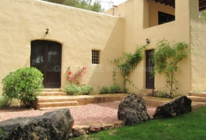 Lovely Country House for sale close to Ibiza Town_1