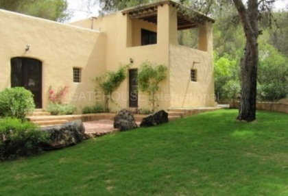 Lovely Country House for sale close to Ibiza Town_2