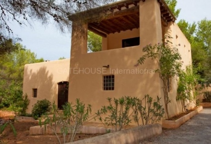 Lovely Country House for sale close to Ibiza Town_4