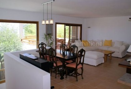 House with sea views for sale in Talamanca_5