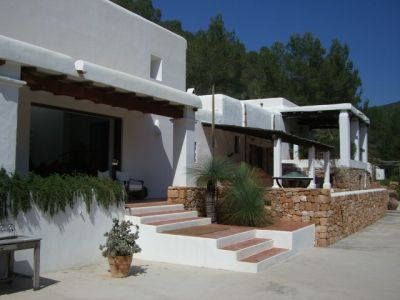 Fully renovated finca for sale in Ibiza and surrounded by pine forests