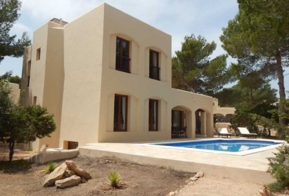 4 bedroom family house for sale San Agustin Ibiza in quiet location 0