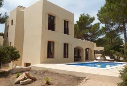 4 bedroom family house for sale San Agustin Ibiza in quiet location 00