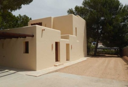 4 bedroom family house for sale San Agustin Ibiza in quiet location 2