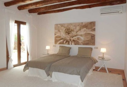 4 bedroom family house for sale San Agustin Ibiza in quiet location 8