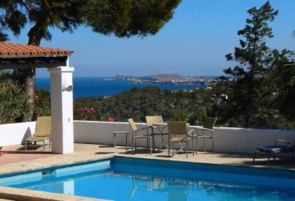 Renovated detached house with guest apartment and sea and sunset views_1