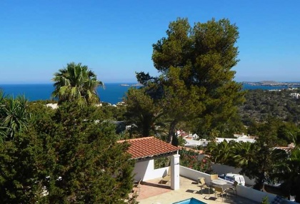 Renovated detached house with guest apartment and sea and sunset views_13