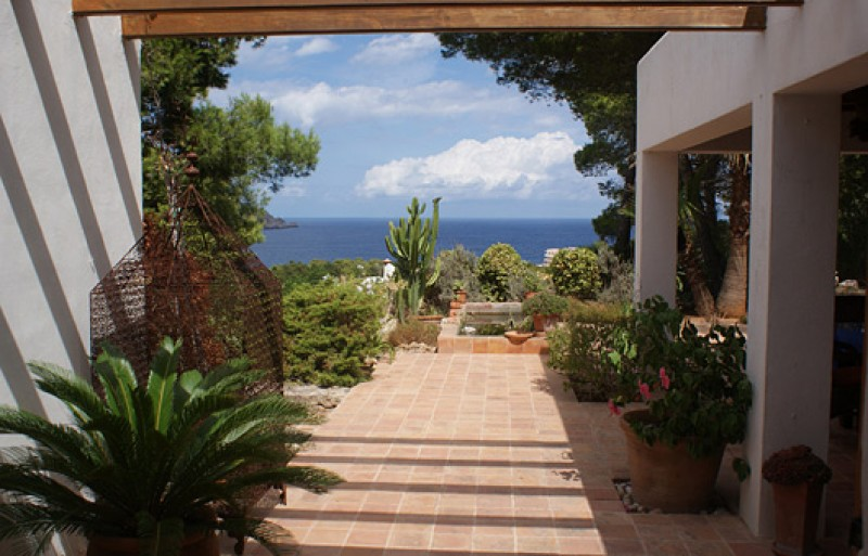 Villa for sale in San Carlos with stunning sea and valley views