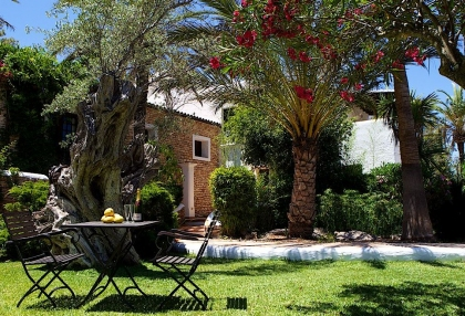 Direct Ibiza holiday villa rentals 4 bedrooms, sleeps 10 17