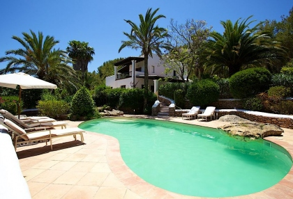 Direct Ibiza holiday villa rentals 4 bedrooms, sleeps 10 20