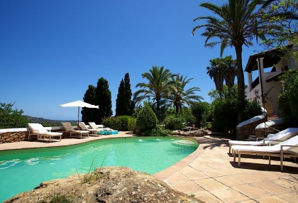 Direct Ibiza holiday villa rentals 4 bedrooms, sleeps 10 21