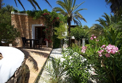 Direct Ibiza holiday villa rentals 4 bedrooms, sleeps 10 33