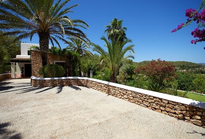 Direct Ibiza holiday villa rentals 4 bedrooms, sleeps 10 34