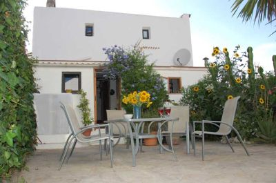 Charming Two bedroom house for sale in ibiza Town
