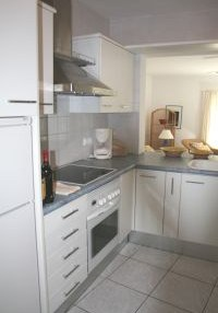 Charming 3 bedroom property with sea views_8