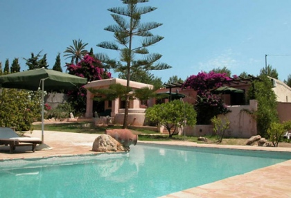 charming-4-bedroom-house-for-sale-in-can-furnet-ibiza-with-countryside-views-1