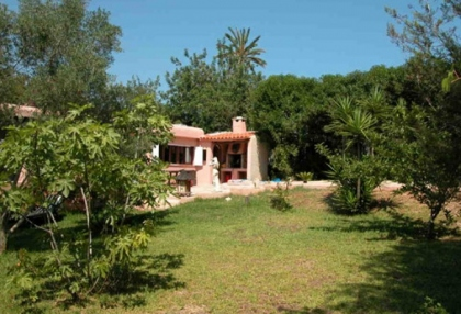 charming-4-bedroom-house-for-sale-in-can-furnet-ibiza-with-countryside-views-10