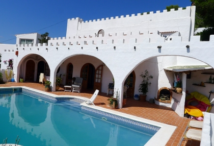 Detached-villa-separate-apartment-for-sale-Cala-Llonga-Ibiza-p1060599