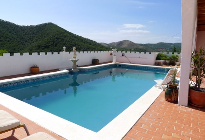 Detached-villa-separate-apartment-for-sale-Cala-Llonga-Ibiza-p1060600-2