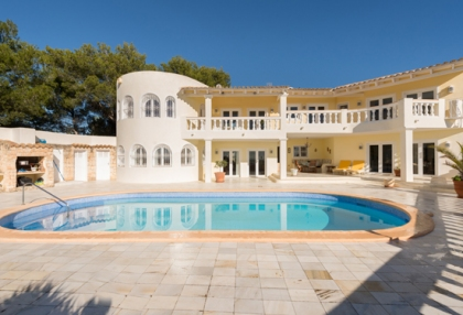 Classic sea view villa for sale Can Furnet Santa Eularia Ibiza 4
