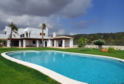 5 bedroom country villa with paddocks and stables San Agustin Ibiza 4