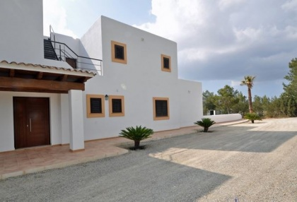 5 bedroom country villa with paddocks and stables San Agustin Ibiza 7